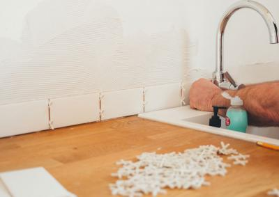 Is mortar the same as grout?